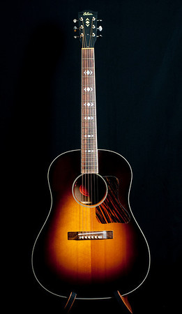 Gibson Advanced Jumbo Sunburst.