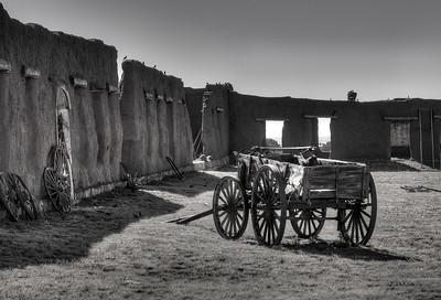 wagon-8279-b&w-hdr