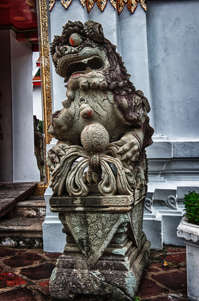 A 7 EV HDR Photograph of a statue in Bangkok Thailand.  Taken with a Nikon d700, edited in HDR Efex Pro & Lightroom.