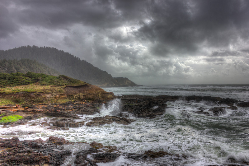 Waves crashing on the Oregon Shores