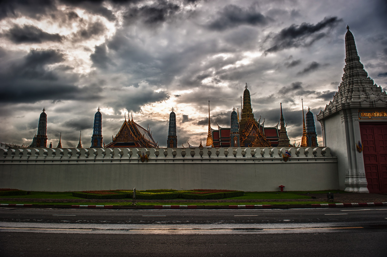 A 7 EV HDR Photograph in Bangkok Thailand.  Taken with a Nikon d700, edited in HDR Efex Pro & Lightroom.