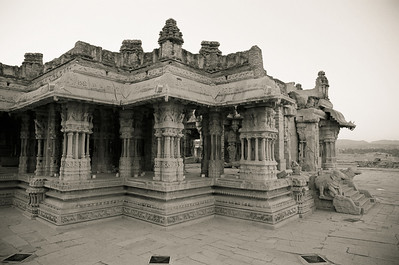 The incredibly ornate stone construction of the Vithala temple.