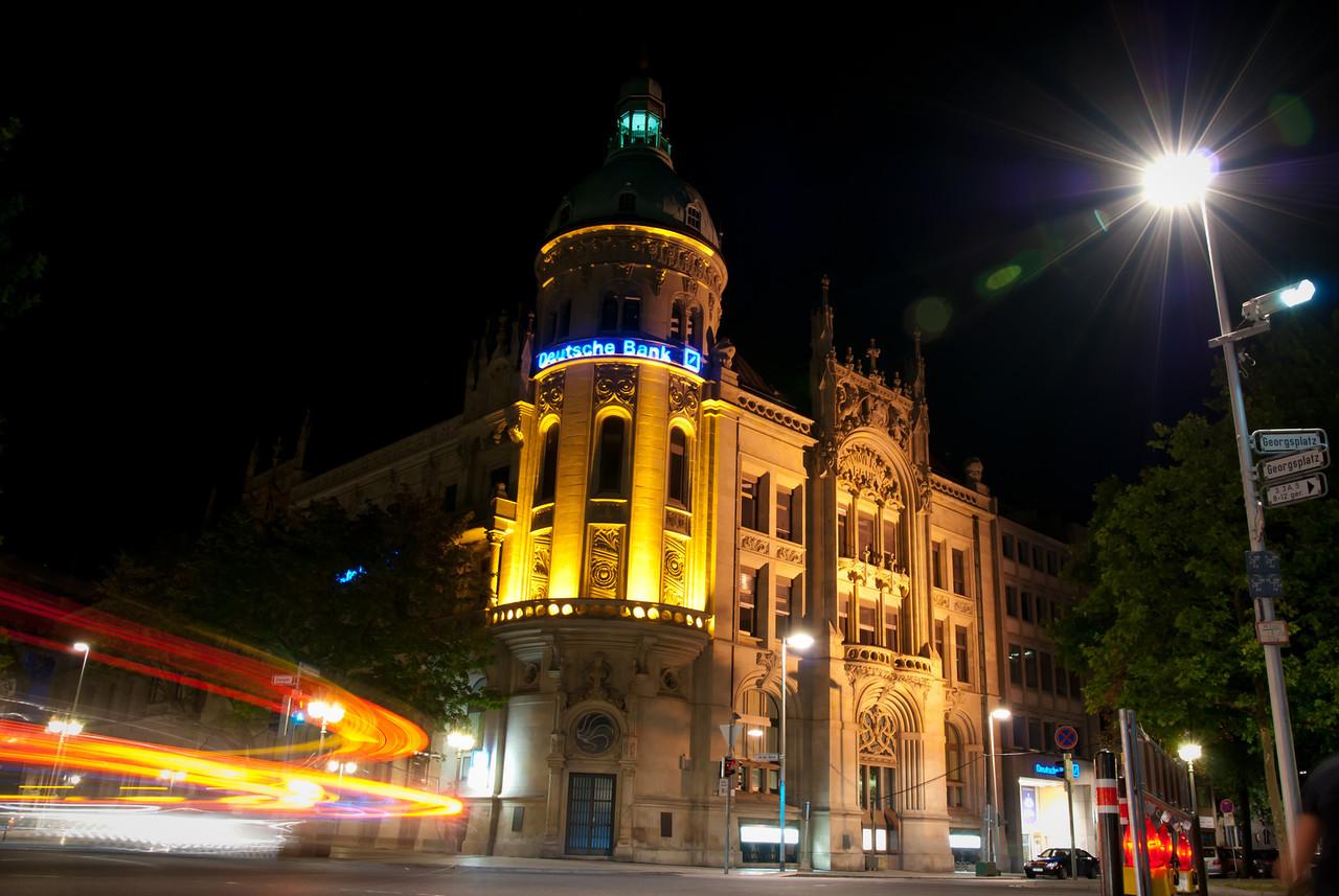 Das Gebäude der Deutschen Bank am Georgsplatz