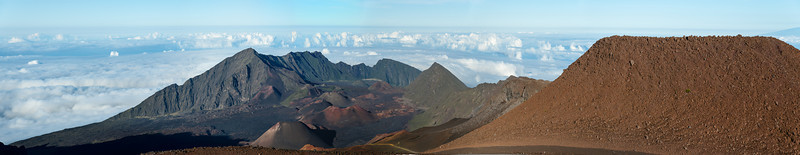 Fairly high resolution panorama of Haleakala Crater, Maui. Click on Original size to examine in more detail.