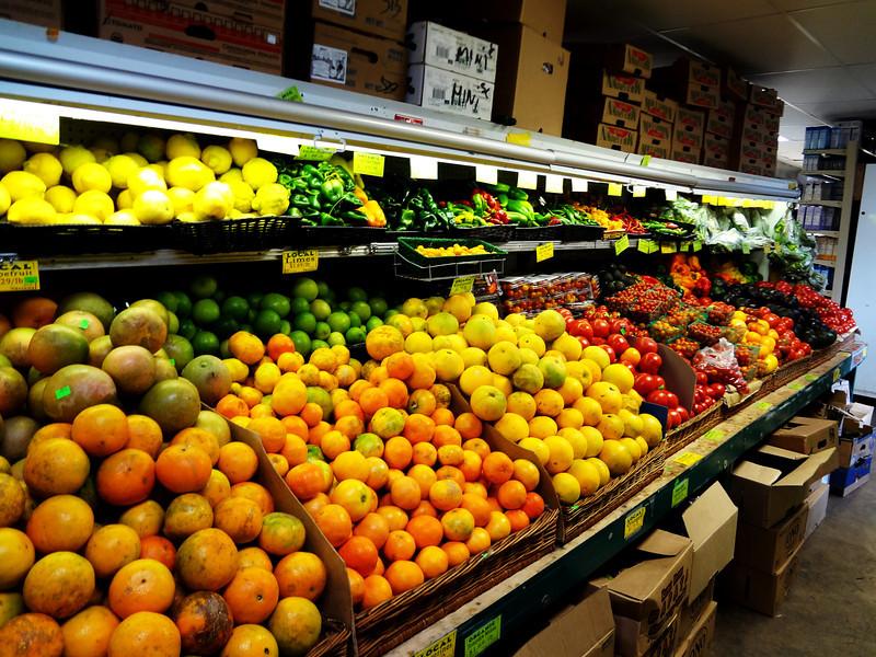 Organic Farmer's Market in Paia Maui Hawaii 2