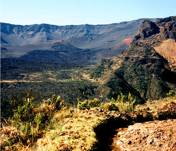 Halemauu Trail, Haleakala Crater from just above Holua Cabin