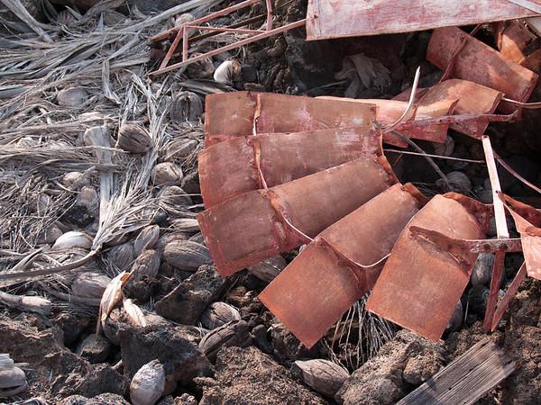 Rusting Wind Mill - Makalawena Beach - Big Island - Hawaii - December 2006