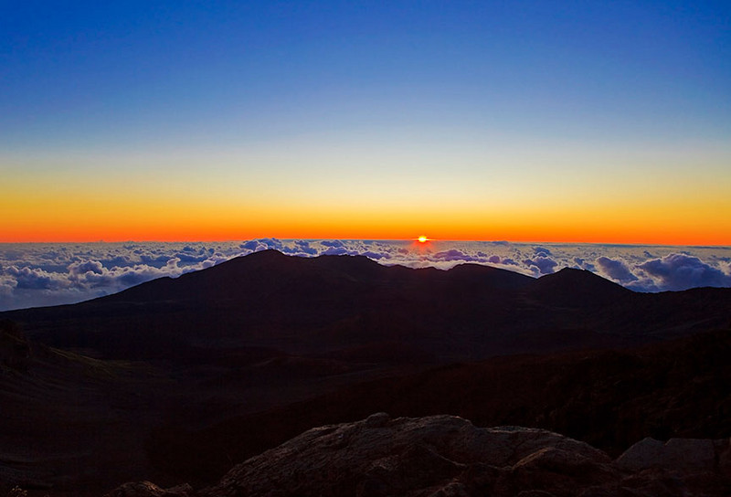 Sunrise atop Haleakala, Maui  ©Tomás del Amo 2009