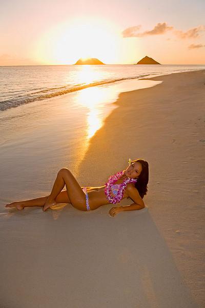 Kasha, sunrise at lanikai  ©Tomás del Amo
