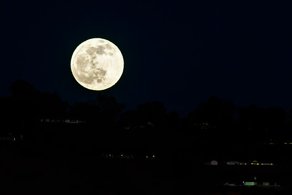 """This is the """"Cold Moon""""...and it is damn cold this evening"""