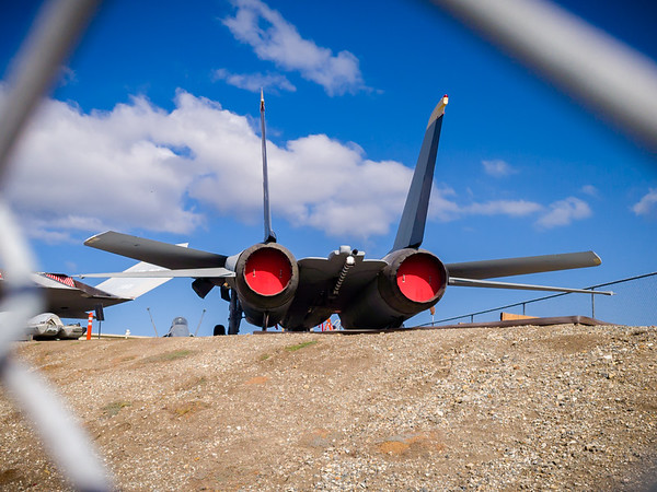 And during that visit, I snapped some pics of the nearby F14 Tomcat