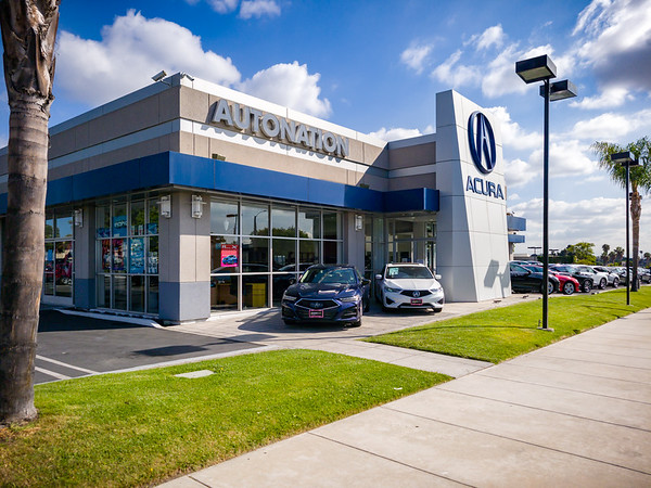 The first time I photographed that F14 was 9 years ago...back when I still serviced my Acura at this dealership