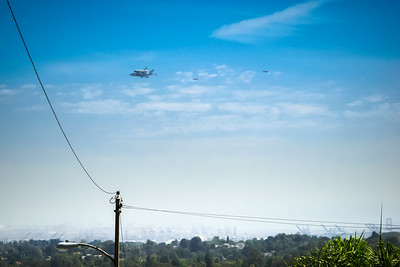Shuttle Endeavour from our neighborhood (Photo by Valerie Iwasaki)