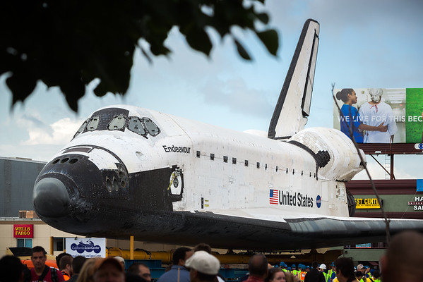 Police have blocked the street off so I cannot cross or continue east on La Tijera.  Forgot to take a close up of the hatch...I guess I will have to wait until the shuttle is on display at the California Science Center.