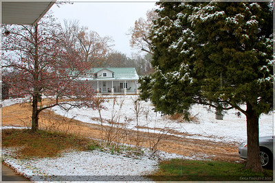I know it doesn't look like much, but a Christmas day snow was a very special thing!