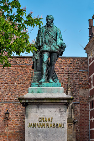 Statue of Graaf Jan van Nassau, in Domplein
