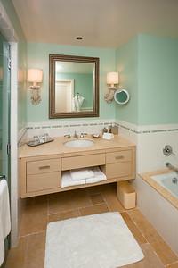 Single basin sink on the vanity