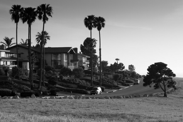 I've frequently run by these large homes on Paseo del Mar, but never upon the street