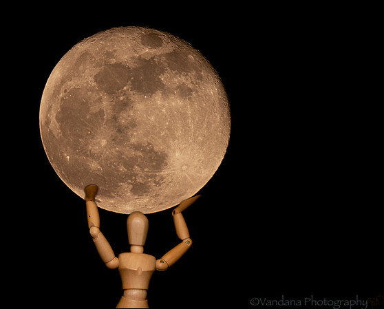 May 6, 2012 - Atlas lifts the supermoon