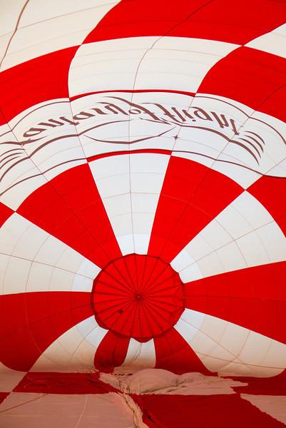 Hot air balloon ride with Elaine - 2012-03-13