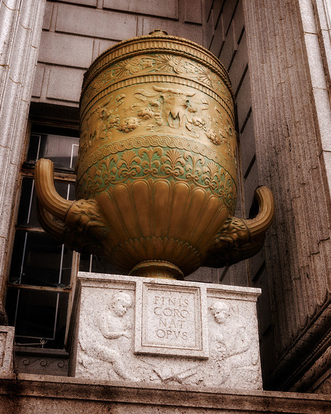 Texian Urn
