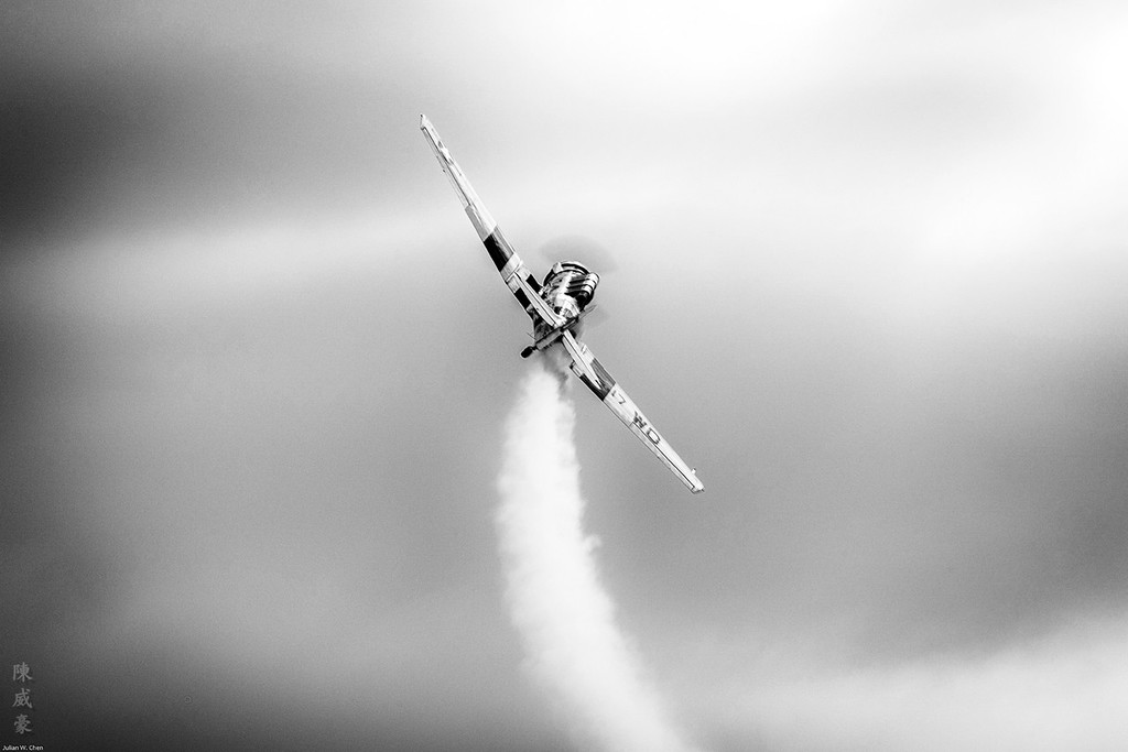 IMAGE: https://photos.smugmug.com/Photography/Huntington-Beach-Airshow-2016/i-F9XRsnC/0/XL/20161023-Canon%20EOS-1D%20X%20Mark%20II-1DX29555-XL.jpg