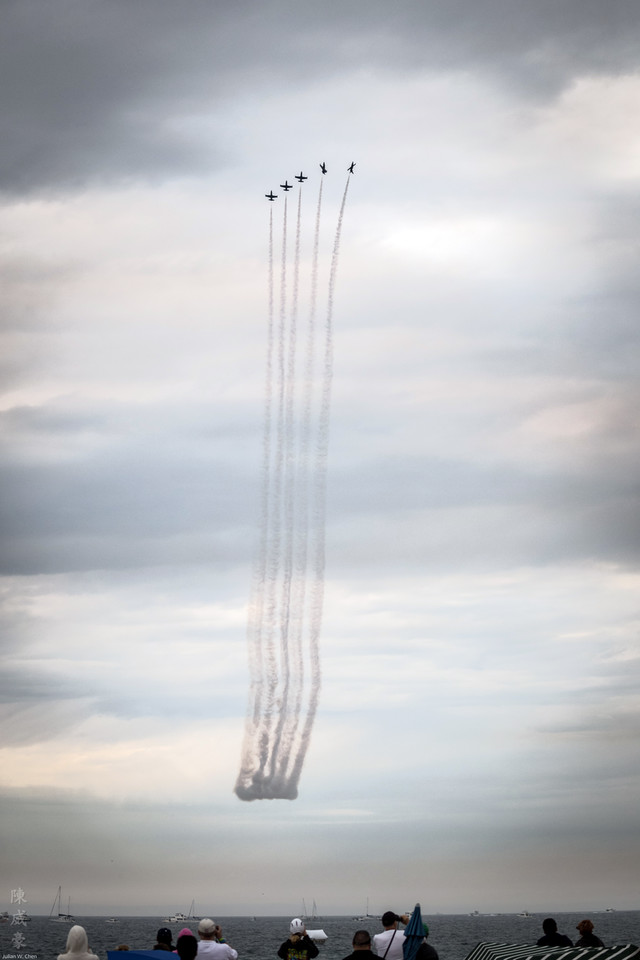 IMAGE: https://photos.smugmug.com/Photography/Huntington-Beach-Airshow-2016/i-JhsnPFH/0/X2/20161023-Canon%20EOS-1D%20X%20Mark%20II-1DX20988-X2.jpg
