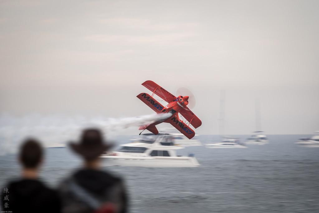 IMAGE: https://photos.smugmug.com/Photography/Huntington-Beach-Airshow-2016/i-QrcDZXp/0/XL/20161023-Canon%20EOS-1D%20X%20Mark%20II-1DX28693-XL.jpg