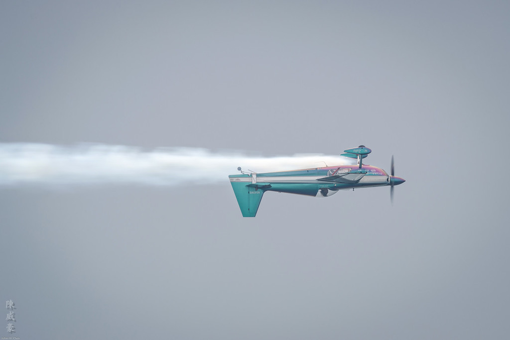 IMAGE: https://photos.smugmug.com/Photography/Huntington-Beach-Airshow-2016/i-vkBZfCk/0/XL/20161023-Canon%20EOS-1D%20X%20Mark%20II-1DX29899-XL.jpg