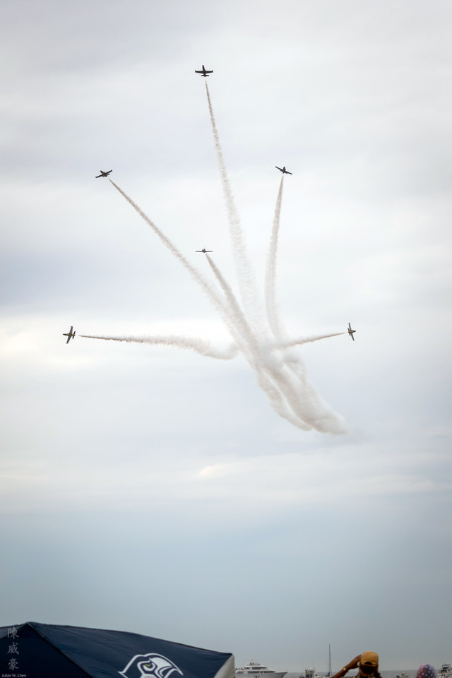 IMAGE: https://photos.smugmug.com/Photography/Huntington-Beach-Airshow-2016/i-zhPMDV5/0/X2/20161023-Canon%20EOS-1D%20X%20Mark%20II-1DX21178-X2.jpg