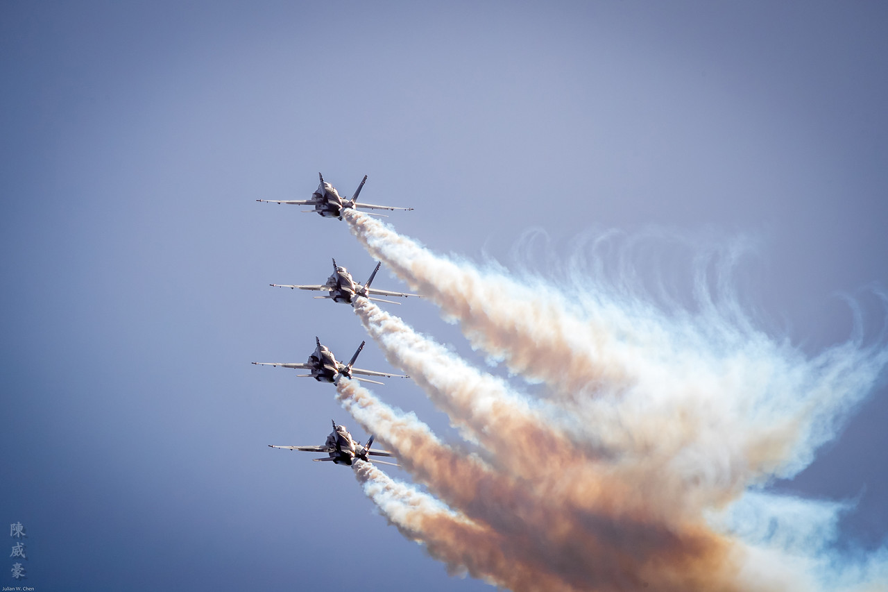 IMAGE: https://photos.smugmug.com/Photography/Huntington-Beach-Airshow-2017/i-2p4RMWH/0/bb129fef/X2/20171001-Canon%20EOS-1D%20X%20Mark%20II-1DX20145-X2.jpg