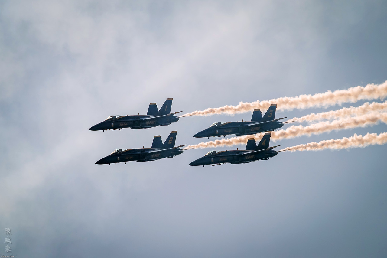 IMAGE: https://photos.smugmug.com/Photography/Huntington-Beach-Airshow-2017/i-FcHR9C4/0/0c617015/X2/20171001-Canon%20EOS-1D%20X%20Mark%20II-1DX20301-X2.jpg