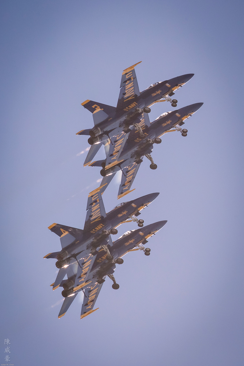 IMAGE: https://photos.smugmug.com/Photography/Huntington-Beach-Airshow-2017/i-RLtNz4N/0/c575c754/X3/20171001-Canon%20EOS-1D%20X%20Mark%20II-1DX29576-X3.jpg