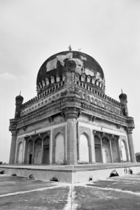 The first Qutb Shahi king's tomb - one of the best built ones.