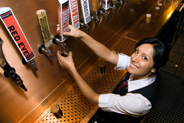 City Tavern Drakes Pint Night