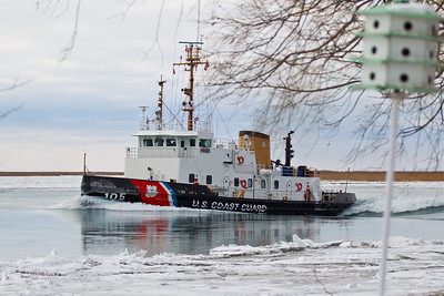 USCGC Neah Bay 105 breaking ice on the South Channel