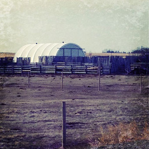 04/12/12 A Quonset I found on the way to work by taking a different road.