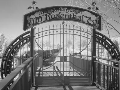 2005-04-01_04519 'Das Tor zum Himmel' - im Rosental in Leipzig)'The Gate to Heaven' - in the Rosental in Leipzig
