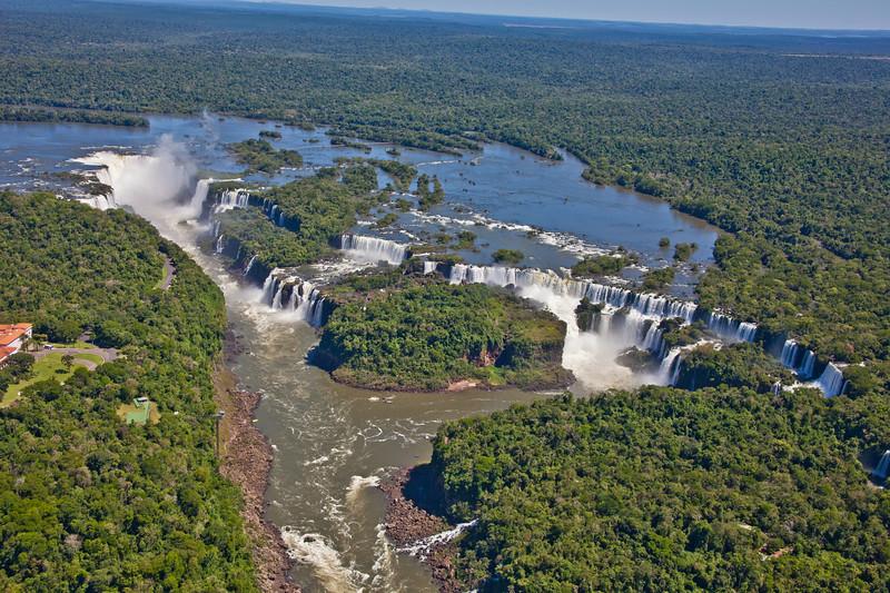 IGU 105.  Iguazu Falls, Brazil, Iguazu River, Devil's Throat , Argentina