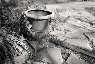 urn_planter-t1345