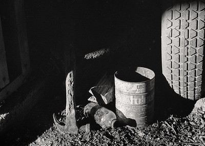 hammer+bottle+tire-fp4-05-t0004
