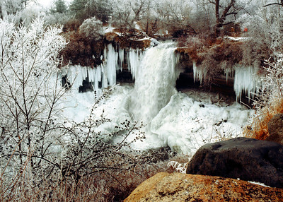 North America, USA,Minnesota, Minneapolis, Frozen Minnehaha Falls