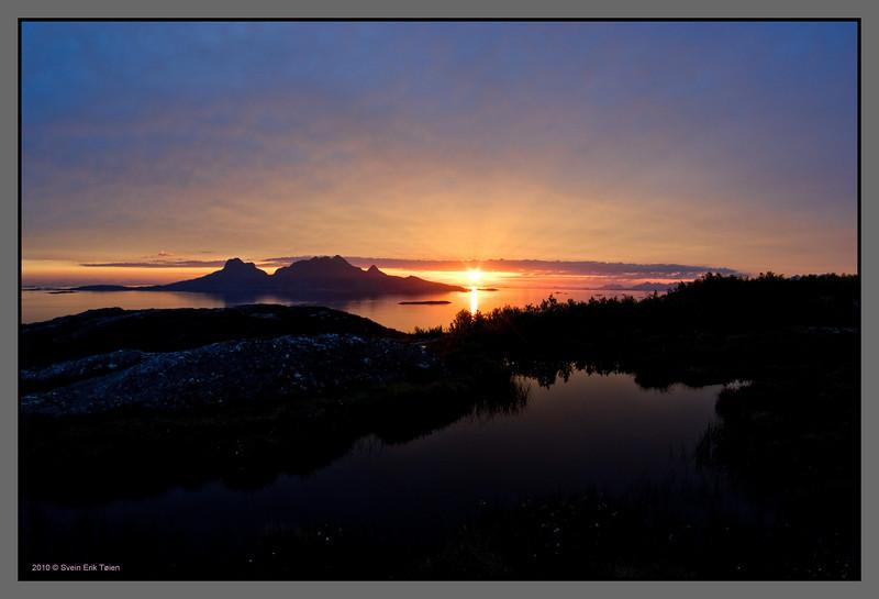 Midnight sun over Landegode, Bodø - 01.00 at night