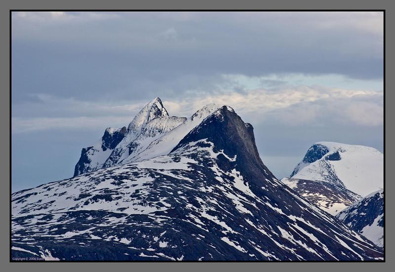 Børvasstindan seen from Bodø<br /> - first shots with a new Pentax DA* 300 mm lens - III - this one at f 5.6