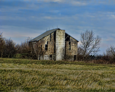 This barn stands alone along a stretch of road near the US 35 bypass around Xenia, OH