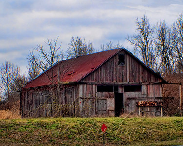 Standing on the site of a gravel quarry outside of Fairborn ,OH this old barn reminds us of what once might have been a farm.
