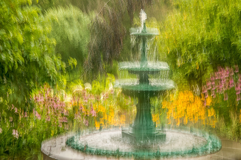 FOUNTAIN SET IN FLOWERS