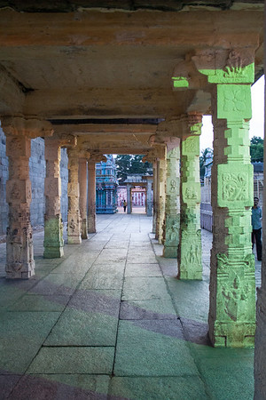 Night Comes to Sri Ranganathaswamy Temple, Srirangam