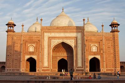 Jawab/Guesthouse - Taj Mahal complex