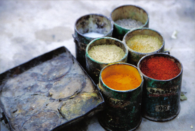 cooking spices in the Thar desert